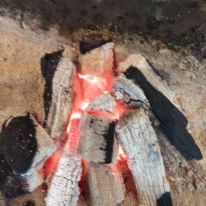 寒〜い週末、皆様暖かくしてお過ごしでしょうか🤗炭鳥ikadaの店内は、炭炉&ヒーターで暖かいですペットOKのテント席は、ビニールカバーで覆っているだけでなく、ヒーターも2つ設置しています♪http://ikadamitake.com営業時間・4月〜12月11~17時金曜定休(祭日は営業)※むかし鳥、ばくだんは数に限りがございます。1個からお取り置き致します♪Tel.0428-85-8726#むかし鳥 #炭鳥ikada #ばくだん #mitake #tokyo #御岳 #御嶽駅 #御岳山 #御岳山ロックガーデン #武蔵御嶽神社 #御岳神社 #多摩川 #御岳渓谷 #東京アドベンチャーライン #御岳ランチ #奥多摩フィッシングセンター #奥多摩 #日原鍾乳洞 #okutama #バイク #ロードバイク #カヌー #カヤック #riversup  #デッドエンド #ペット可 #炭火
