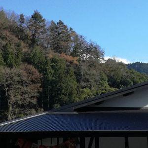 山の上の紅葉もほぼ終わり、見えなかった木々の向こうの空も見える様になって来ました🏔️山は海と同様、どんな季節でも見飽きることがありませんhttp://ikadamitake.com 営業時間・4月~12月 11~17時金曜定休(祭日は営業)※むかし鳥、ばくだんは数に限りがございます。1個からお取り置き致します♪Tel.0428-85-8726#むかし鳥 #炭鳥ikada #ばくだん #mitake #tokyo #御岳 #御岳山 #御岳山ロックガーデン #武蔵御嶽神社 #御岳神社 #多摩川 #御岳渓谷 #東京アドベンチャーライン #御岳ランチ #奥多摩フィッシングセンター #奥多摩 #日原鍾乳洞 #味玉 #串 #バイク #ロードバイク #カヌー #カヤック #リバーSUP #デッドエンド #ペット可
