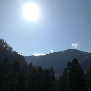 太陽さん️たった二日会っていなかっただけなのに恋しかったです️http://ikadamitake.com 営業時間 1月から3月  11~16時4月から12月 11~17時金曜定休(祭日は営業)※むかし鳥、ばくだんは数に限りがございます。1個からお取り置き致します♪Tel.0428-85-8726#むかし鳥 #体験型 #炭鳥ikada #ばくだん #mitake #御岳 #御岳山 #御岳山ロックガーデン #武蔵御嶽神社 #御岳神社 #多摩川 #御岳渓谷 #東京アドベンチャーライン #御岳ランチ #奥多摩フィッシングセンター #奥多摩 #日原鍾乳洞 #青梅線・五日市線の旅 #イマタマ #imatamagourmet #okutama #バイク #ロードバイク #カヌー #カヤック #リバーSUP #デッドエンド #ペット可 #朝日