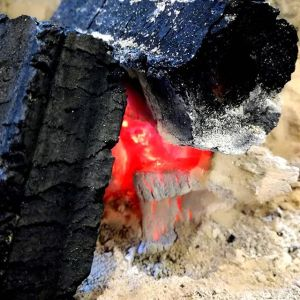 久々の、二日連続の雨明日は又暖かくなる様ですが、今日は炭炉の前が居心地よい一日になりそうですhttp://ikadamitake.com 営業時間 1月から3月  11~16時4月から12月 11~17時金曜定休(祭日は営業)※むかし鳥、ばくだんは数に限りがございます。1個からお取り置き致します♪Tel.0428-85-8726#むかし鳥 #体験型 #炭鳥ikada #ばくだん #mitake #御岳 #御岳山 #御岳山ロックガーデン #武蔵御嶽神社 #御岳神社 #多摩川 #御岳渓谷 #東京アドベンチャーライン #御岳ランチ #奥多摩フィッシングセンター #奥多摩 #日原鍾乳洞 #青梅線・五日市線の旅 #イマタマ #imatamagourmet #okutama #バイク #ロードバイク #カヌー #カヤック #リバーSUP #デッドエンド #ペット可 #炭火