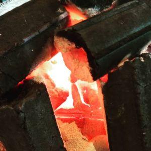 梅雨で肌寒い今日こんな日に奥多摩にいらしたら、どうぞ炭炉で暖まって行って下さいませ🤗http://ikadamitake.com営業時間・4月〜12月 11〜17時1月〜3月 11〜16時金曜定休(祭日は営業)※むかし鳥、ばくだんは数に限りがございます。1個からお取り置き致します♪Tel.0428-85-8726#むかし鳥 #体験型 #炭鳥ikada #ばくだん #bbq #mitake #御岳 #御嶽駅 #御岳山 #御岳山ロックガーデン #武蔵御嶽神社 #御岳神社 #御岳渓谷 #東京アドベンチャーライン #御岳ランチ #奥多摩フィッシングセンター #奥多摩 #日原鍾乳洞 #イマタマ #バイク #ロードバイク #カヌー #カヤック #ラフティング #riversup #デッドエンド #ペット可 #炭火 #炭火焼