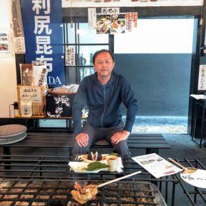 神奈川県横浜市からお越しのお客様ですこれから埼玉県の #秩父 の山中にあるお宿での、宴に参加なさるそうですその前にドライブで奥多摩🏞️にいらして、嬉しい事に炭鳥ikadaでお昼ごはんにして下さいました🥚楽しい一夜になります様に🤗ご来店ありがとうございました️http://ikadamitake.com営業時間・4月〜12月 11〜17時1月〜3月 11〜16時金曜定休(祭日は営業)※むかし鳥、ばくだんは数に限りがございます。1個からお取り置き致します♪Tel.0428-85-8726#むかし鳥 #体験型 #炭鳥ikada #ばくだん #mitake #御岳 #御嶽駅 #御岳山 #御岳山ロックガーデン #武蔵御嶽神社 #御岳神社 #御岳渓谷 #東京アドベンチャーライン #御岳ランチ #奥多摩フィッシングセンター #奥多摩 #日原鍾乳洞 #イマタマ #バイク #ロードバイク #サイクリング #カヌー #カヤック #ラフティング #riversup #御岳ボルダー #ペット可