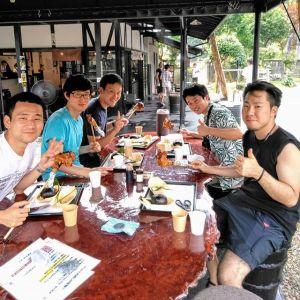 神奈川県逗子市からお越しの5名様です奥多摩の奥、山梨県 #小菅村 にある #玉川キャンプ村 に行かれる途中で炭鳥ikadaの前を通りかかって、お昼ごはんにお立ち寄り下さいました🥚帰り際、口ぐちに「ごちそうさまでした」 と笑顔で言って下さり、元気をもらいました楽しいキャンプ🏞️になります様にご来店ありがとうございましたhttp://ikadamitake.com営業時間・4月〜12月 11〜17時1月〜3月 11〜16時金曜定休(祭日は営業)※むかし鳥、ばくだんは数に限りがございます。1個からお取り置き致します♪Tel.0428-85-8726#むかし鳥 #体験型 #炭鳥ikada #ばくだん #mitake #御岳 #御嶽駅 #御岳山 #御岳山ロックガーデン #武蔵御嶽神社 #御岳神社 #御岳渓谷 #御岳ランチ #奥多摩フィッシングセンター #奥多摩 #日原鍾乳洞 #奥多摩湖 #バイク #ロードバイク #サイクリング #カヌー #カヤック #ラフティング #riversup #御岳ボルダー #ペット可