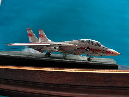 Revell 144 F-14A Tomcat sideview