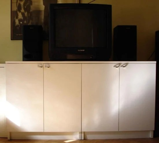 white_cabinets