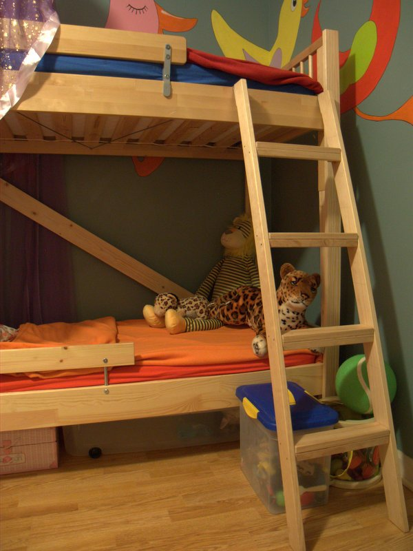 Awesome Ikea Bunk Bed Hack GULLIVER and KRITTER You can see the ladder positioning easily and the rear diagonal brace here