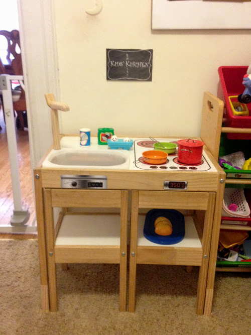 L tt play kitchen ikea hackers for Play kitchen table