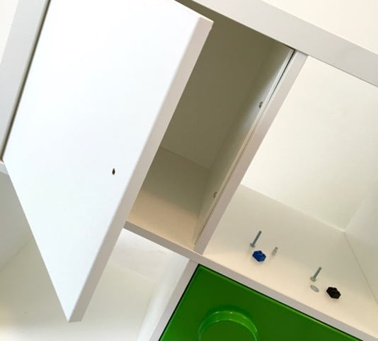 Using LEGO bricks as door knobs