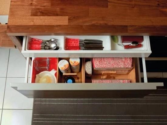 STODJA to organise the dining utensils