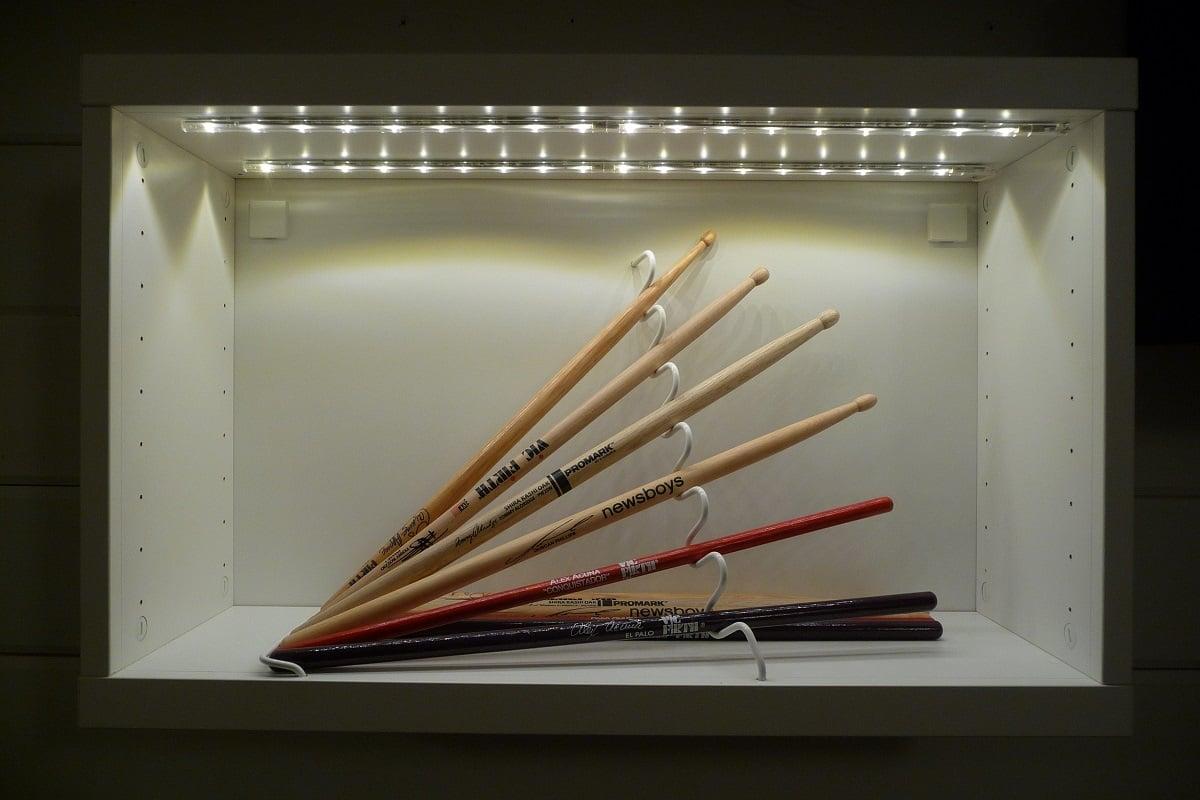 Besta Rail: Drum Sticks Display With STAJLIG, BESTÅ And DIODER