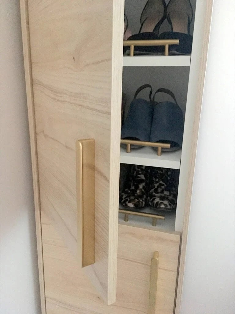 Charmant A Classy Tall Shoe Cabinet To Fit Into Your Entryway