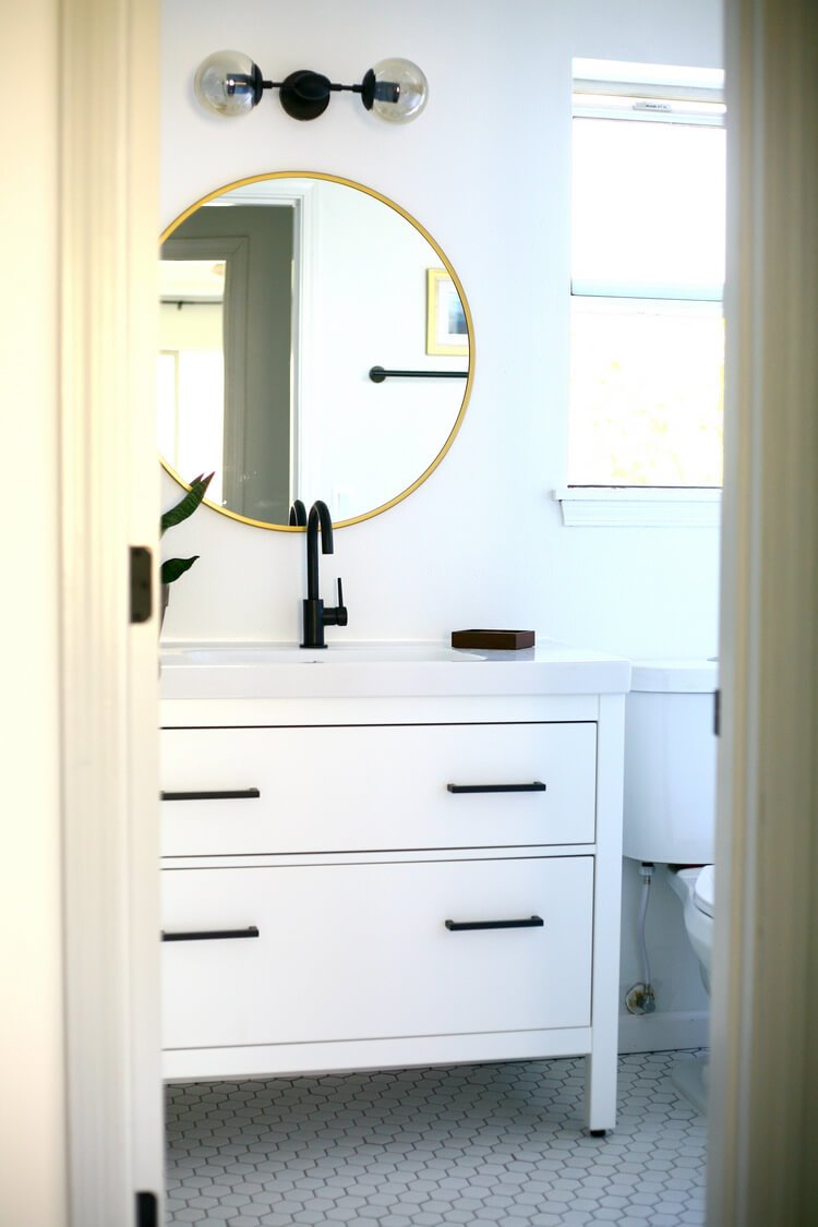 Hemnes black and white vanity makeover ikea hackers for Mirrors ikea usa