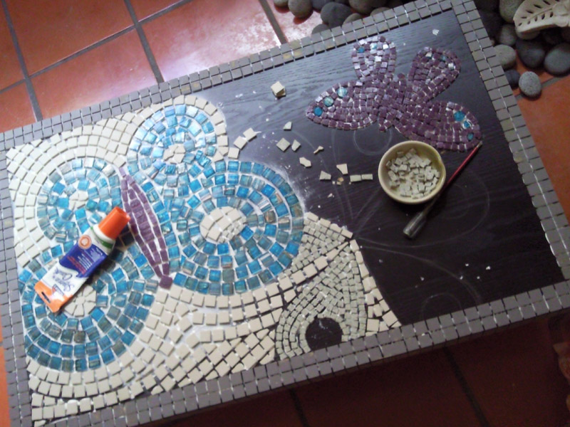 Cool DIY klubbo mosaic table