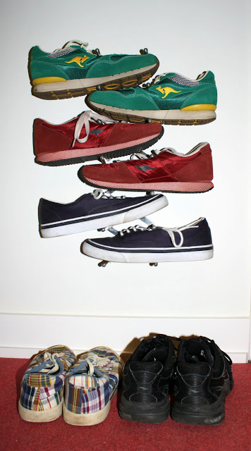 Wall mounted shoe organiser tree