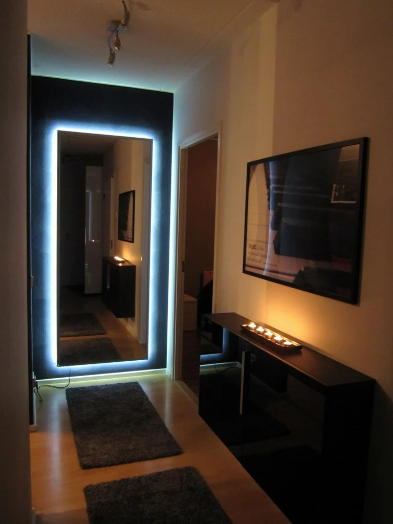 ambilight enabled hovet mirror