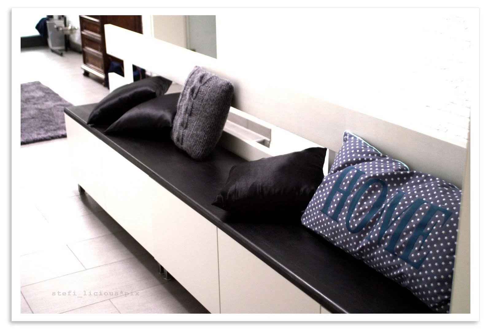 bench for shoes with besta ikea hackers. Black Bedroom Furniture Sets. Home Design Ideas