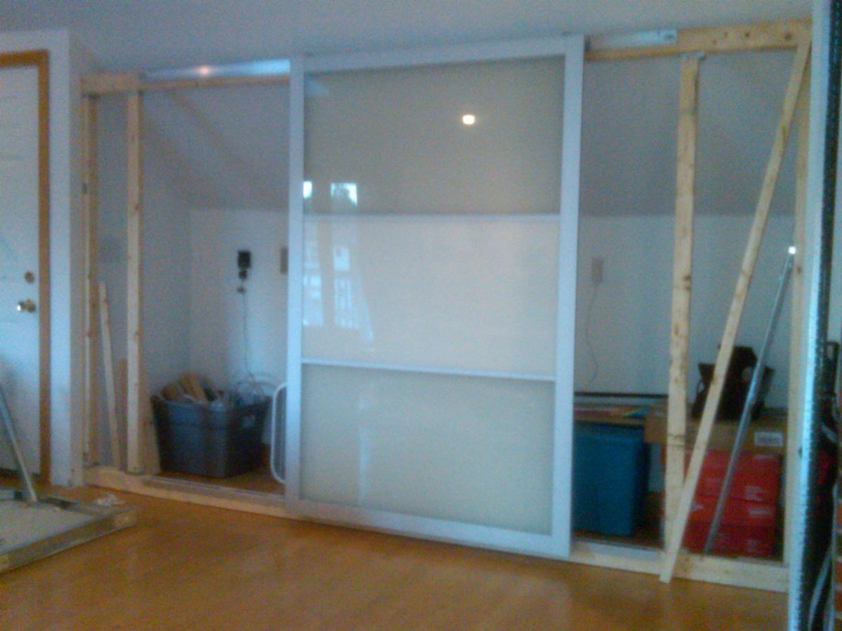 Lyngdal livingroom storage ikea hackers for Ikea puertas correderas