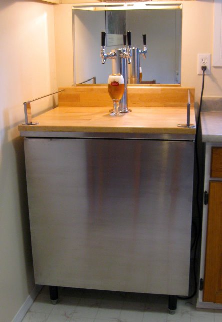 Cheers It S A Kegerator Ikea Hackers