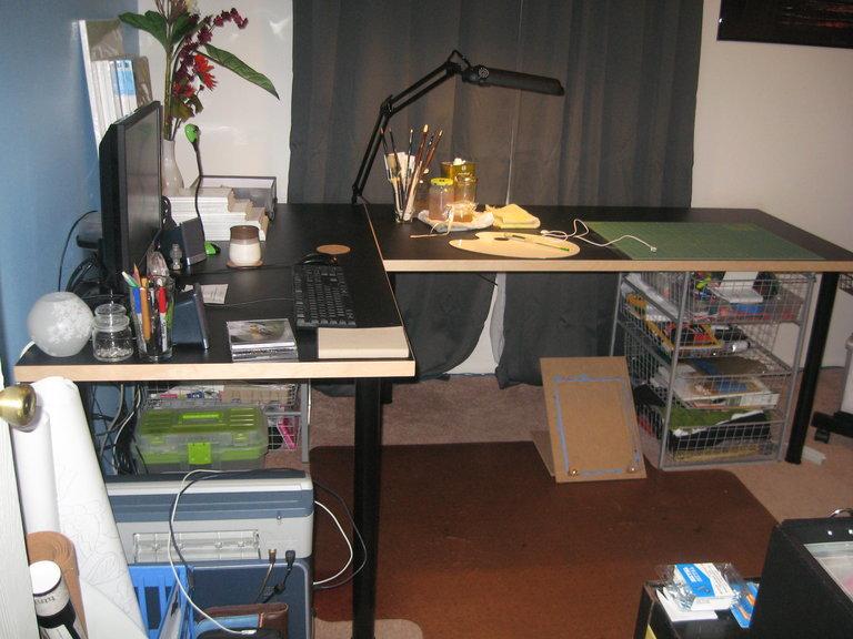 Vika Flying V Desk Ikea Hackers