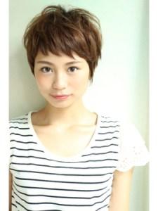 夏 ショート 髪型 女性、4