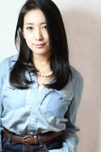 春 ロング 髪型 女性 人気 6