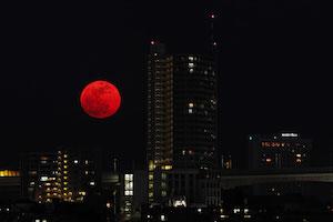 月 地震 予兆 月が赤い 2