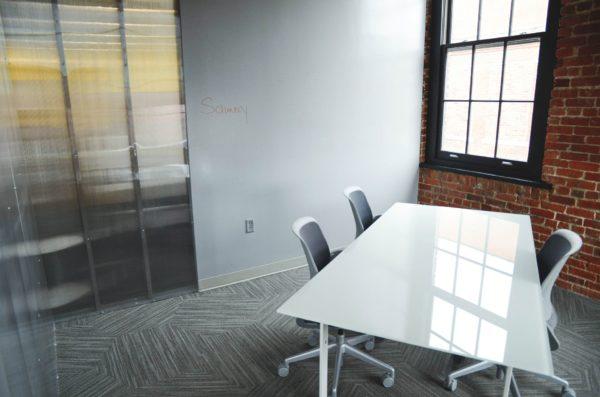 office-594120_1920