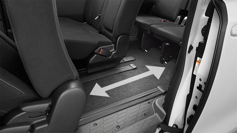 carlineup voxy interior space pic 31 - 新型ヴォクシー・ガソリンエンジンの口コミ評価まとめ!前期型より良くなった!?硬めの乗り心地は賛否両論!