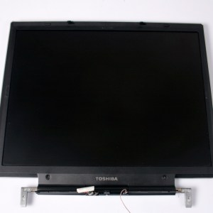 TOSHIBA Tecra S1 LCD Screen & Cable/Inverter 6017A0025201 & Hinges & Bottom-Upper Case