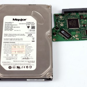 MAXTOR STM380215AS 80GB 3,5 SATA HARD DİSK/PCB (DEVRE KARTI) DATA KURTARMA İÇİN