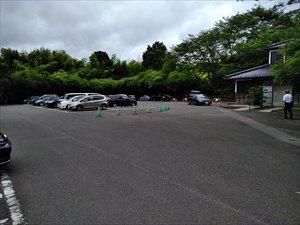 一般駐車場から低地を散策する