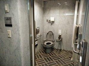障害者用トイレは1F