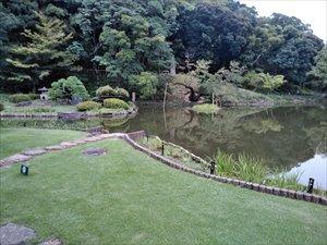 バリアフリー日本庭園 肥後細川庭園 車椅子利用ガイド
