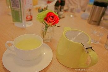 台中梨子咖啡館崇德店 適合家庭聚餐的親子餐廳,有溫度的小書房.沙坑區,台中北屯區美食