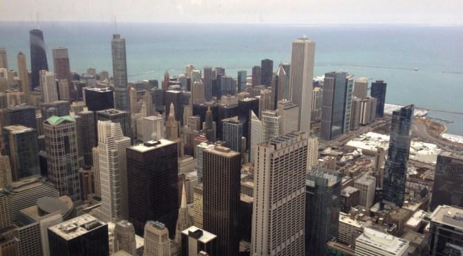 シカゴの摩天楼を見下ろす超高層ビル「ウィリス・タワー」の展望