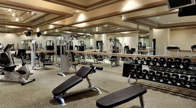 やっぱり最強!腹筋トレーニングの決定版「腹筋ローラー」