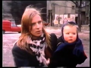 mom_with_child.ikl959