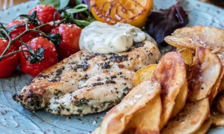 Kyckling minutfilé med ramslöksmajonnäs och friterad potatis