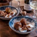 Mintpäron med mintchokladsås och honungsrostade valnötter
