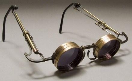 El origen de las gafas; breve historia de la oftalmología