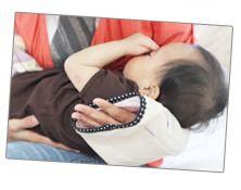 夏の快適授乳グッツ。授乳後にベットに寝かせるのもラクチン