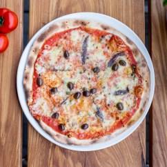 2100_Pizza Puttanesca_TB