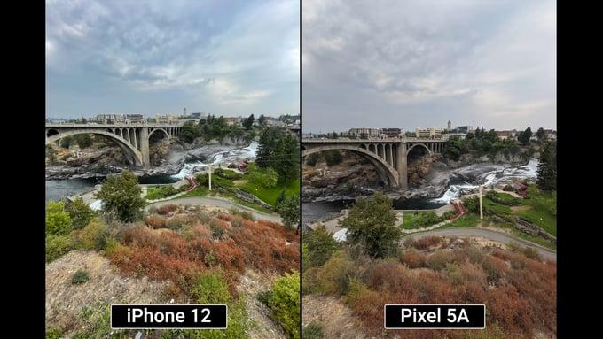 תמונה של איכות הצילום של פיקסל (Pixel 5a) סמארטפון מול אייפון (iPhone SE)