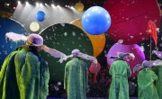 Slava Snowshow standing up clowns by Vladimir Mishukov