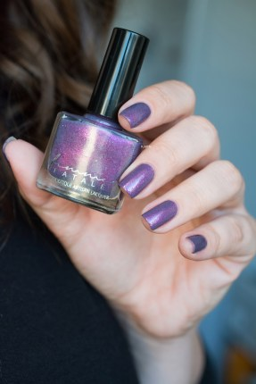 FEMME FATALE COSMETICS_HER IMPERIAL MAJESTY_LD_01