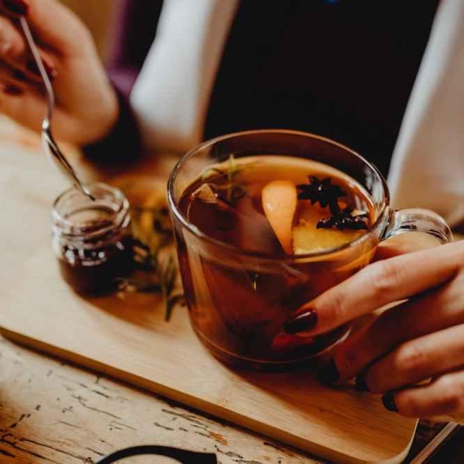 Moxa woman Chinese Herbs tea