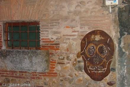Spooky wall in León
