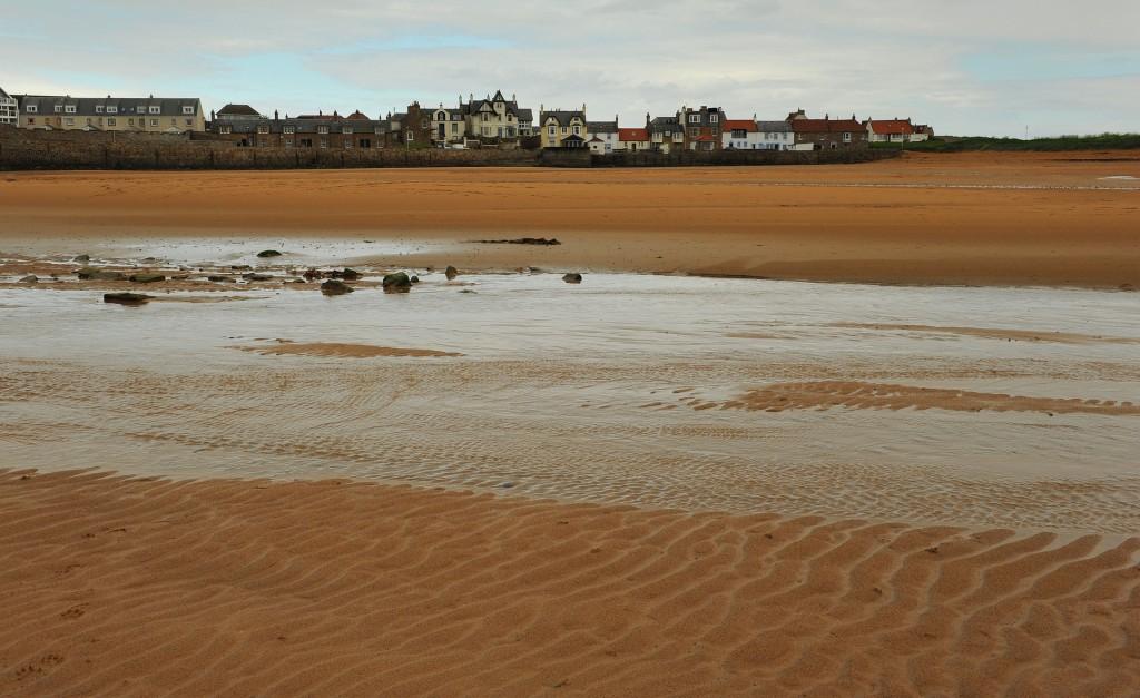 Il villaggio di ELIE visto dalla spiaggia