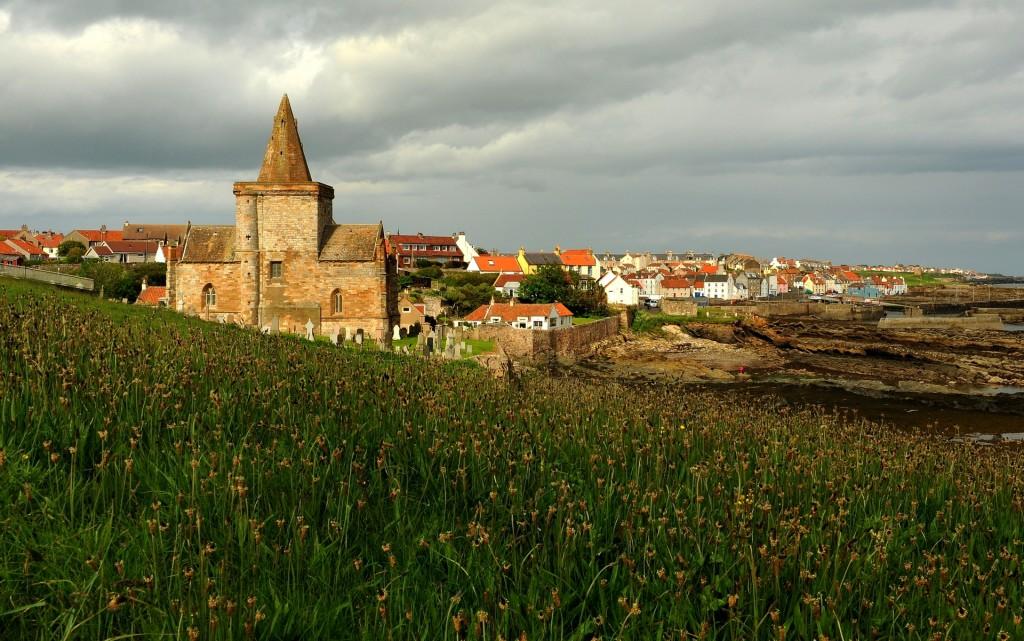 Il piccolo villaggio di ST MONANS con la sua pittoresca chiesetta