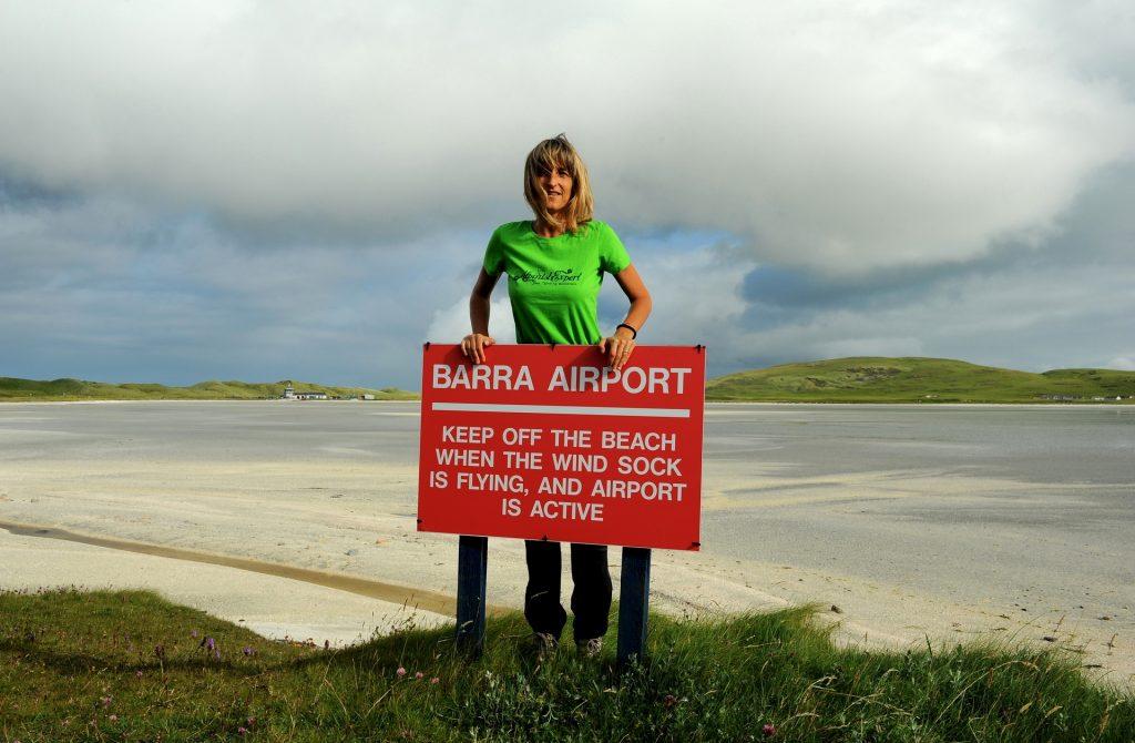 Alle mie spalle, la pista di decollo e atterraggio del BARRA AIRPORT